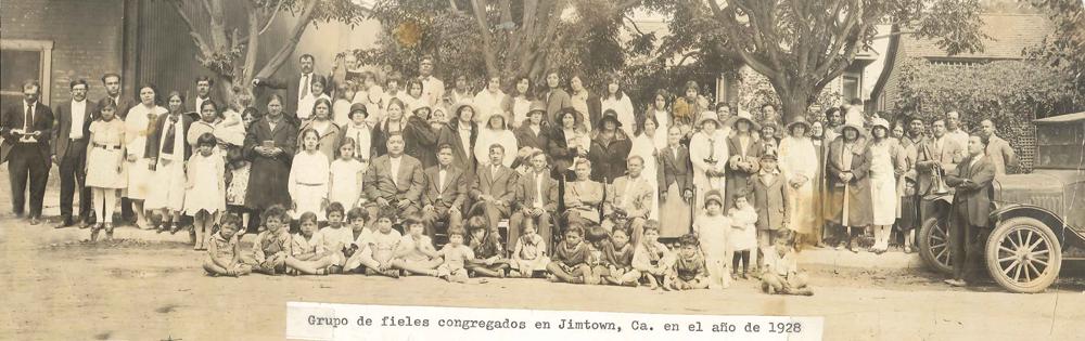 Grupo de fieles congregados en Jimtown Ca 1en el año 1928